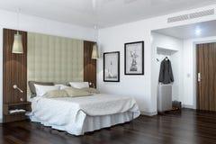 3d tolkning - hotellrum - sovrum stock illustrationer