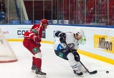 d Tsyganov (10) und M Popovic (6) Stockbilder