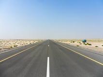 Długa droga w pustyni Fotografia Royalty Free