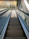 Długi eskalator kiedykolwiek obraz royalty free