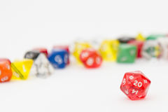 D20 und andere RPG-Würfel Stockfotos
