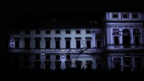 3D videomappaing的设施由Tigrelab的Mutis射出了在历史建筑Tyrs家的信号灯节日布拉格2016年 影视素材
