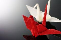 dźwigowego origami czerwony biel Fotografia Stock