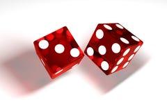 3d wizerunek: wysokiej jakości rendering przejrzysty czerwony kołysanie się dices z białymi kropkami Sześciany w lanych rzutach W Zdjęcie Stock