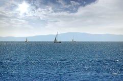 3d wizerunku krajobrazu żaglówek denny nieba zmierzch Obraz Stock