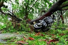 Dañado después de ataque del tifón imagen de archivo
