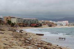 Dañado por el frente de la playa de Odile Medano del huracán Imágenes de archivo libres de regalías