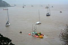 Daño de la tormenta - barco del fregadero Imagenes de archivo