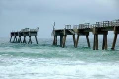 Daño del embarcadero de la pesca del huracán Foto de archivo libre de regalías