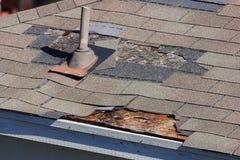 Daño del tejado Foto de archivo libre de regalías