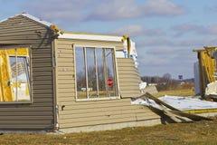 Daño II de la tormenta del tornado - daño catastrófico del viento de un tornado foto de archivo libre de regalías