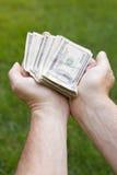 dać pieniądze dostawaniu Fotografia Stock