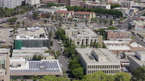 Da arquitetura da cidade aérea da skyline de Los Angeles opinião Sightseeing As torres do escritório aglomeraram a vista panorâmi video estoque
