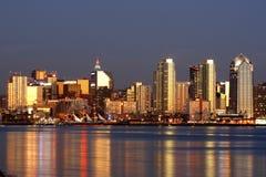 Da baixa, San Diego, skylin do CA foto de stock royalty free