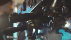 Da barista Barista Prepares Coffee metrajes