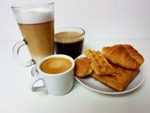 Da bebida de vidro do latte do café copo quente do preto da caneca do café Fotos de Stock