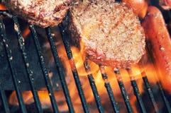 Da grade alimento para fora para o cozinheiro para fora Imagem de Stock