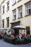 ` da lâmpada de gás do ` do Bar-museu e do restaurante em Lviv, Ucrânia imagem de stock