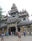 Da-Lat Linh Phuoc Pagoda Fotografering för Bildbyråer