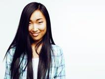 Da mulher asiática consideravelmente longa do cabelo dos jovens posin emocional de sorriso feliz imagem de stock royalty free