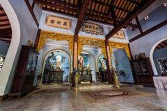 DA NANG, VIETNAM - CIRCA IM AUGUST 2015: Tam Thai Pagoda in den Marmorbergen, Vietnam stockfotografie