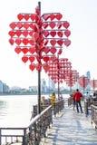 DA NANG, VIETNAM, le 1er mai 2018 : Fermez-vous vers le haut de l'arbre de coeur et aimez le pont près de Dragon River Bridge Ron Photographie stock