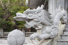 DA NANG, VIETNAME - 18 DE MARÇO: Opinião cênico das montanhas de mármore perto de D Fotografia de Stock