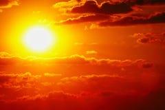 Da nuvem alaranjada do céu do céu do por do sol natureza exterior alaranjada do verão Imagem de Stock Royalty Free