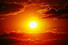 Da nuvem alaranjada do céu do céu do por do sol natureza exterior alaranjada do verão Fotografia de Stock