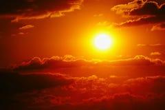 Da nuvem alaranjada do céu do céu do por do sol natureza exterior alaranjada do verão Imagens de Stock Royalty Free