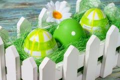 Da Páscoa vida ainda, cartão - ainda vida rústica com ovos da páscoa Fotos de Stock