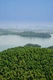 Da parte superior do monte que negligencia o lago do tianmu Fotos de Stock Royalty Free