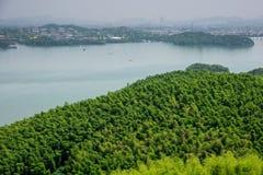 Da parte superior do monte que negligencia o lago do tianmu Fotografia de Stock Royalty Free