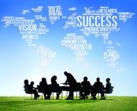 Da reunião incorporada do sucesso executivos globais do conceito do crescimento Imagem de Stock Royalty Free