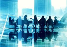 Da silhueta de funcionamento da reunião executivos do conceito da conferência Imagem de Stock