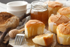Da sobremesa doce macia das pastelarias do bolo de queijo do mel close up saboroso da vida ainda Foto de Stock Royalty Free