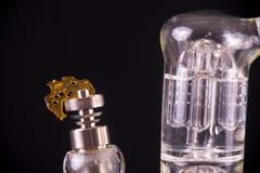Dabbing narzędzie z małym kawałkiem marihuana olej aka rozbija - medi Obrazy Stock