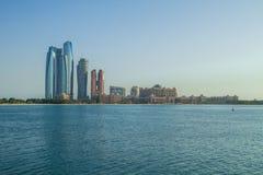 Dabi de Abu, United Arab Emirates, 15 11 2015 horizontes y ciudad Fotografía de archivo
