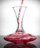 Dacanter met rode wijn Stock Afbeelding