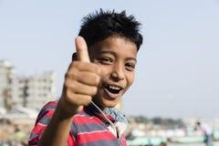 Dacca, Bangladesh, el 24 de febrero de 2017: Retrato de un adolescente hermoso joven Fotos de archivo libres de regalías