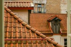 Dachówkowi dachy nad centre stary miasteczko Obraz Royalty Free