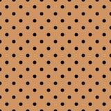 Dachówkowy wektoru wzór z czarnymi polek kropkami na pastelowym koralowym tle ilustracja wektor