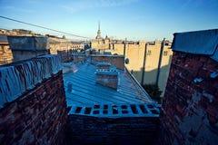 Dach der Stadt von St Petersburg Russland glättend Lizenzfreie Stockfotografie