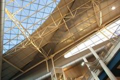 Dach des Flughafens in Porto, Portugal Stockbilder