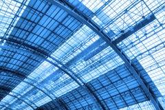 Dach des Industriegebäudes Stockfotografie