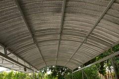 Dach des Parkautos lizenzfreie stockfotografie