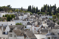 Dach dryluje trulli Alberobello Puglia, południowy Włochy Obrazy Royalty Free