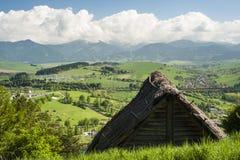 Dach eines Häuschens lizenzfreies stockfoto