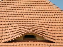 Dach mit Fenster Lizenzfreie Stockbilder