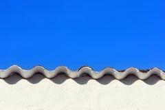 Dach mit Kräuselungsmuster Stockfotos